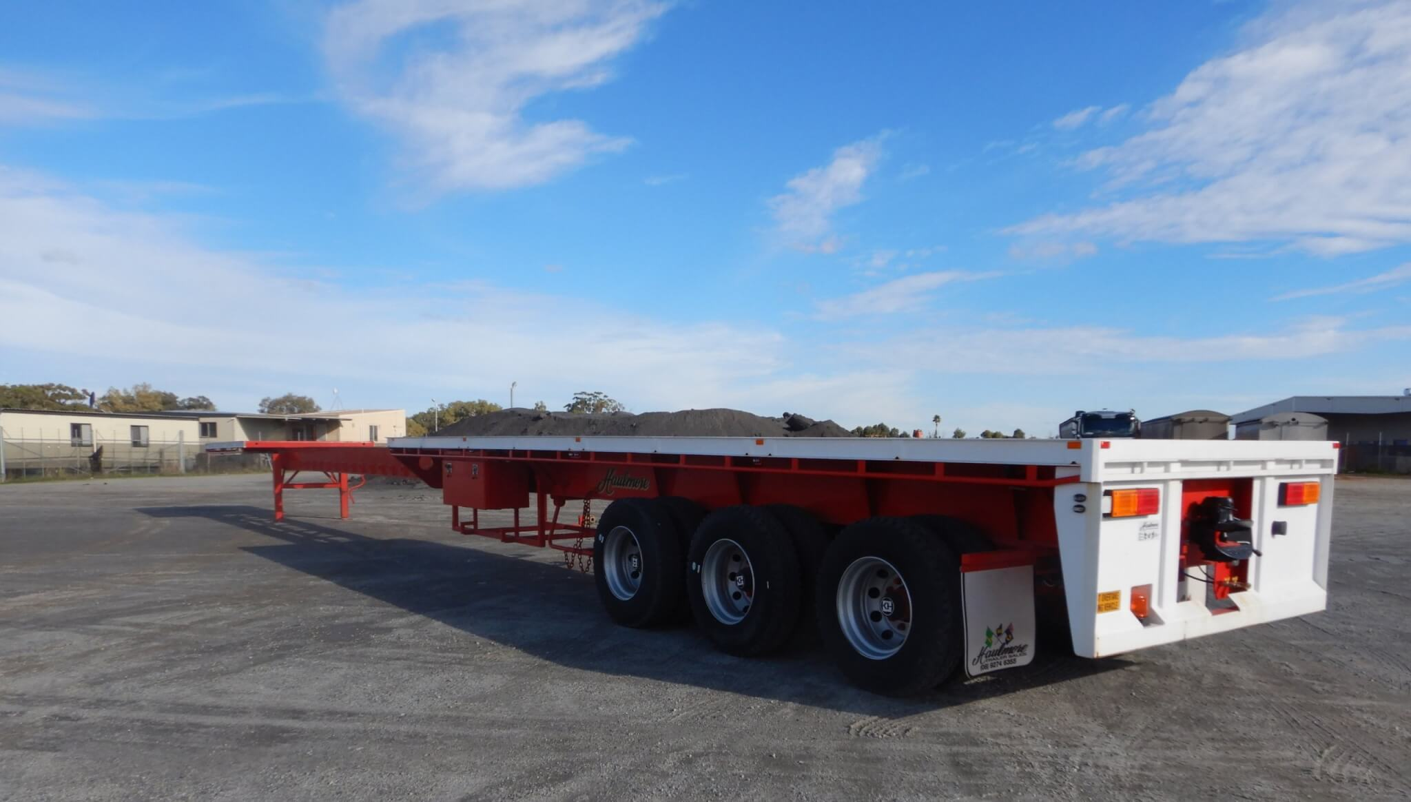 FLAT-TOPS, DROP DECK & EXTENDABLE TRAILERS FOR RENTAL