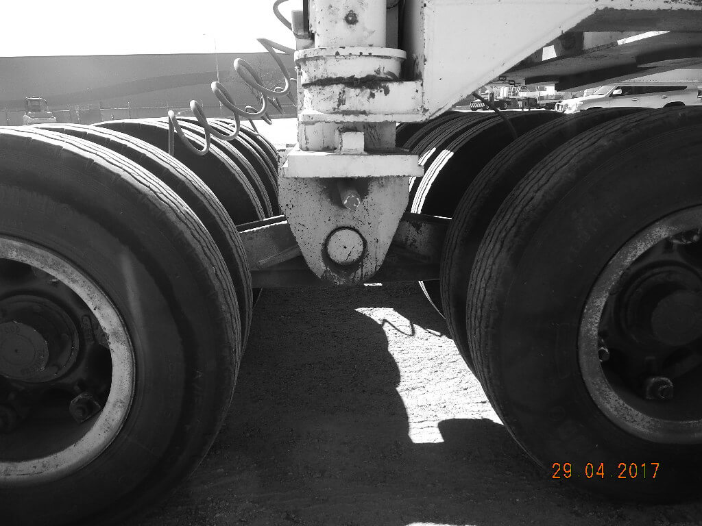 BRENTWOOD 2 Rows of 8 Low Loader Dolly 1981 T1871