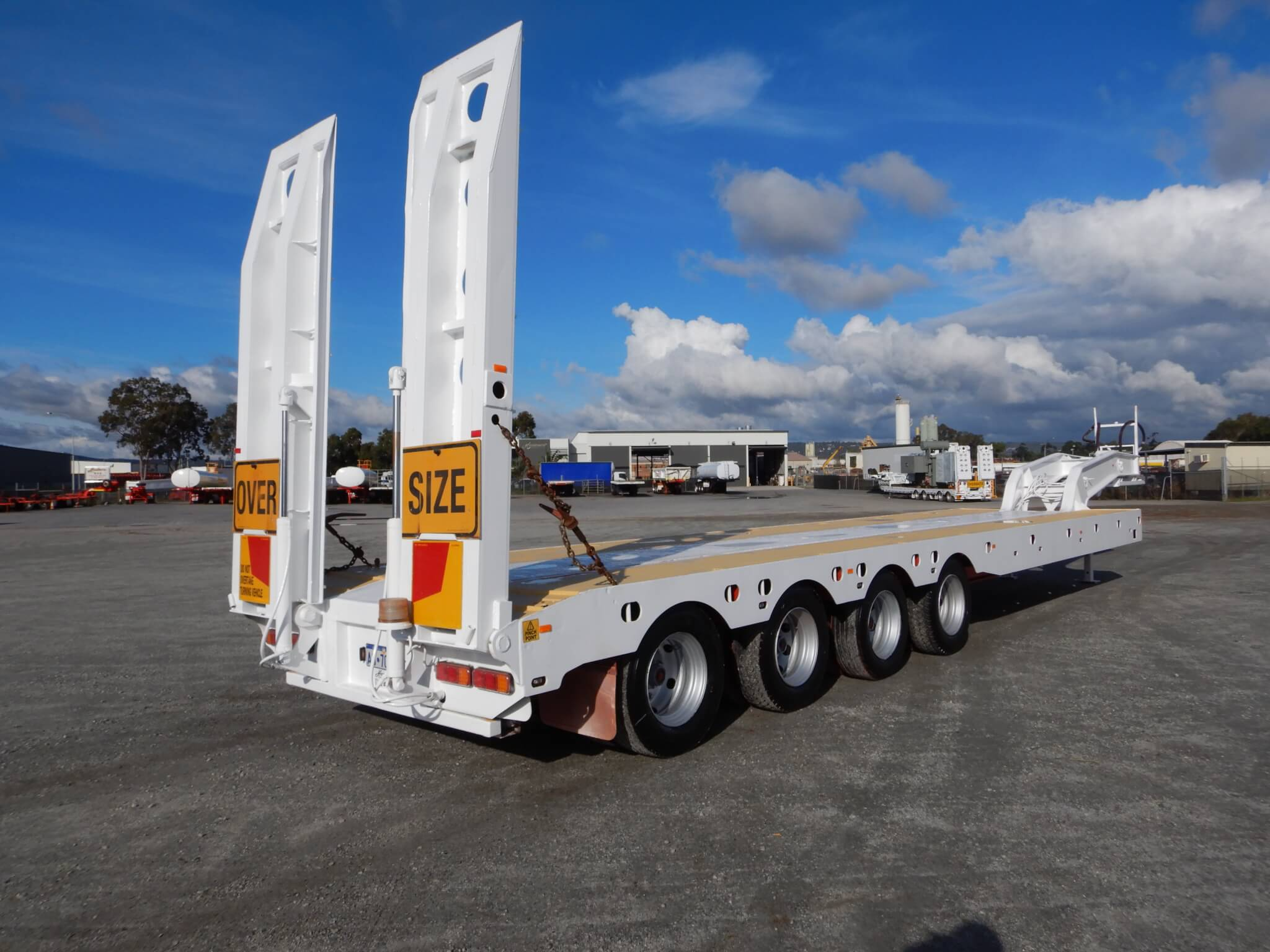 USED 2008 QUAD LOW LOADER DECK WIDENER