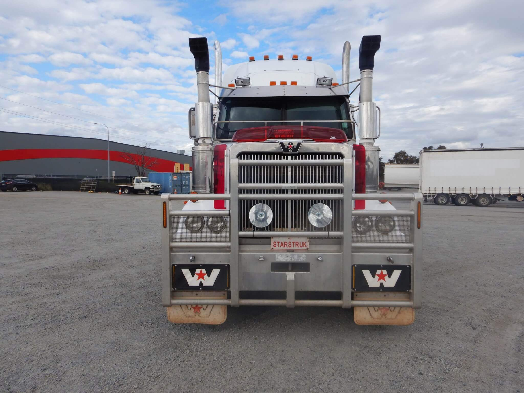 USED 2007 WESTERN STAR PRIME MOVER
